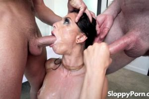 1015479 Slurpy Blowjobs