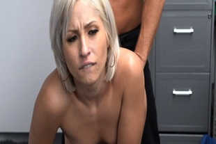 Goldie Glock gets her asshole fucked