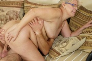 1071048 Rob Licks And Fucks Granny Viola S Twat