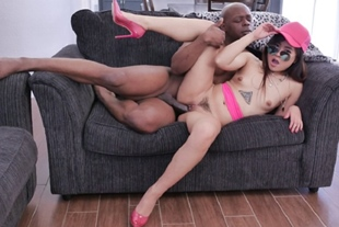Wills black cock matches Elles asian pussy