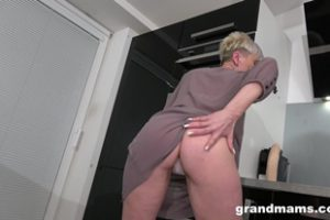 1149192 Grand Mams Horny Mature Housewife In The Kitchen