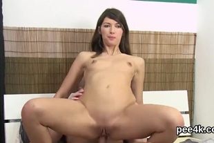 Perfect looker gets her pink hole full of warm urine an