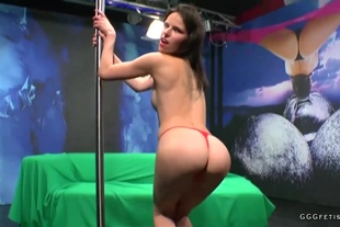 Brunette gets cumshots and facials with bukkakes