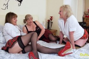 1298860 Oldnanny Lesbian Mature Pussy Eating Threesome