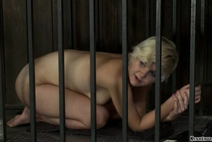 Blonde slaves are set on Sybians