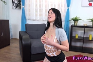 Zoe loves to use gyno tool to pleasure her pussy