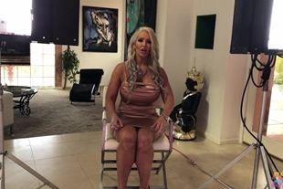 Alura Jenson · Babe Want's A Cock To Fill Her Ass BTS