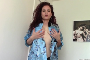 AwesomeHandjobs E119 Woman With Heavenly Body Gives Ama