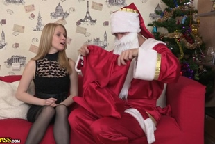 DollsPorn · Hot Young Chick Adult Games With Santa