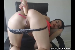Sophisticated Teen Fucks Her Nice Ass With Didlo