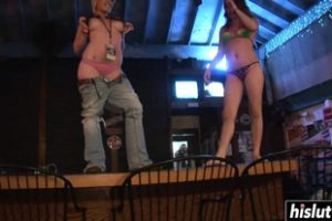 457698 Sexy Girls Like To Strip In A Bar