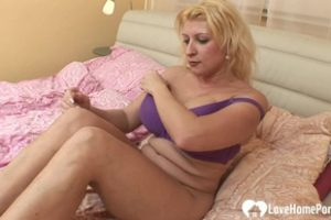 501756 Blonde With Big Tits Gets A Hard Donger2