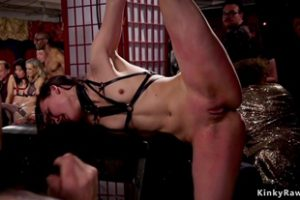 639804 Babe Group Fisted And Licked And Fucked