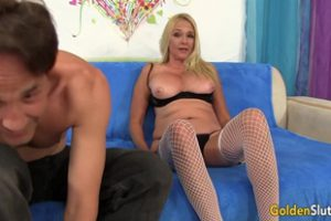 692421 Sara Skippers Mature Pussy Gets Drilled Goldenslut