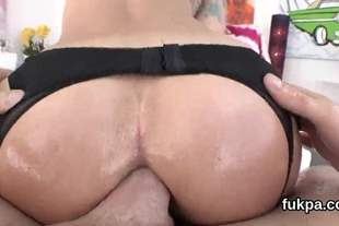 Perfect beauty reveals big ass and gets anal shagged