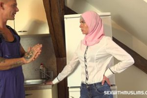 837306 Sexwithmuslims Claudia Macc Plumber Fills More Than One