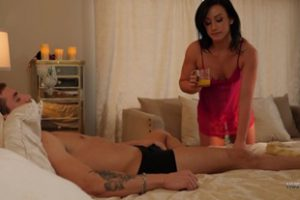 843906 Trophy Wives Cuckold Featuring Jennifer White